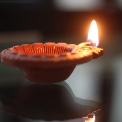 दिवाली पर चुनिन्दा 6 प्रेरणादायक शायरी