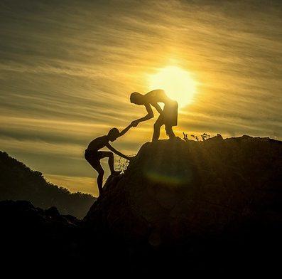 सफलता का मन्त्र : मदद लें और मदद करें