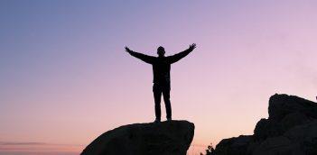 सफलता की कहानियां असफलताओं से भरी हैं – बहाना बर्बादी है
